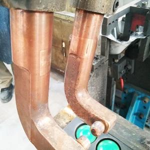 柳州市华鹏机电焊接的焊接焊钳在某厂家使用
